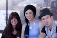 Savannah Lynne and Thompson Square (Are You Gonna Kiss Me Or Not)
